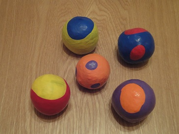 Five home-made juggling balls
