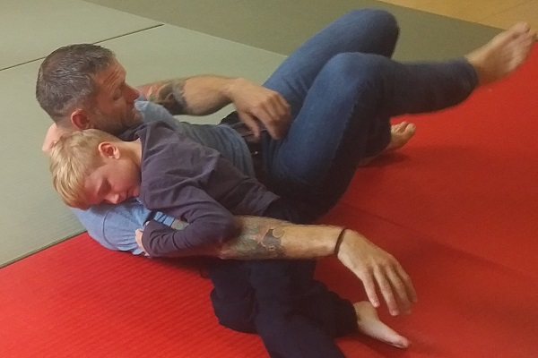dad in judo hold